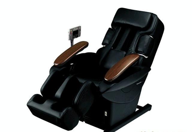只要你有时间坐下,我们就给你带来真实的按摩感受。这张按摩椅的舒适程度是截然不同的旋转揉捏按摩」功能,直击酸痛部位。3D驱动使按摩球模拟专业按摩师几乎一样的手指动作。世界先进「按摩球上下移动技术」&am